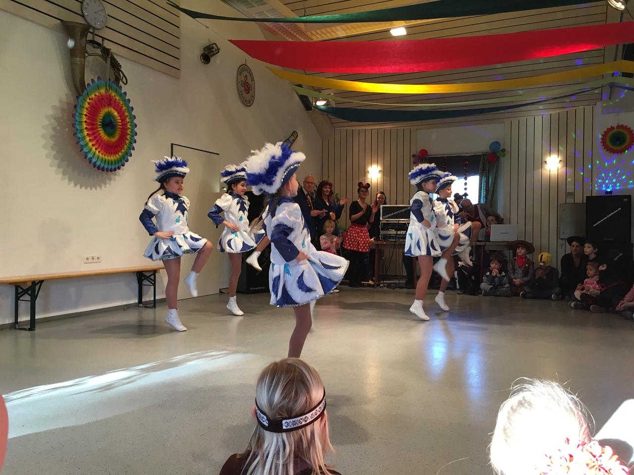 Tanz der Kindergarde der Offonia