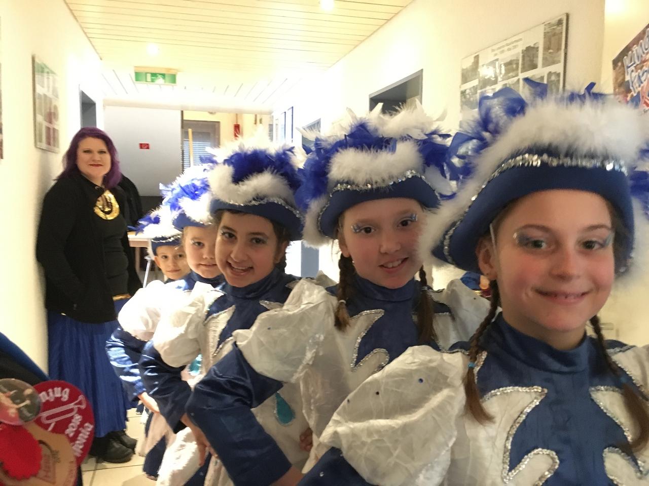 Die Kindergarde des Faschingvereins Offonia